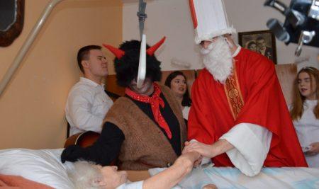 Svätý Mikuláš na OATE aj u seniorov