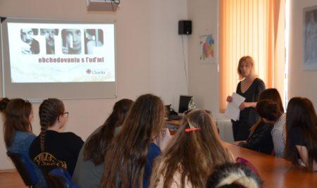 Prednáška o obchodovaní s ľuďmi
